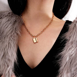 Vintage Lover's Lock Pendant Choker Necklace Steampunk Clavicle Golden Chain Necklace Collier Valentine's Day Gift