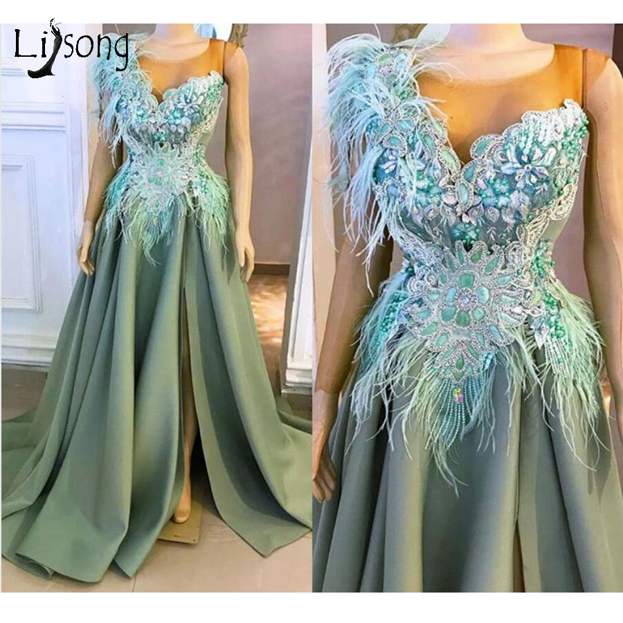Royal Modest Light Green A-line Evening Dresses Crystal Feather Long Prom Gowns Appliques Sexy Side Split Party Dress