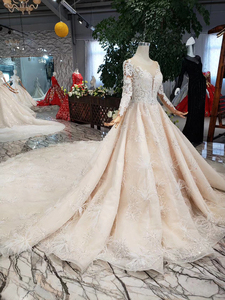Image 4 - BGW HT43022 Royal Wedding Dress With Feather Handmade European And American Style Tulle Sleeve Wedding Gown 2020 Fashion Design