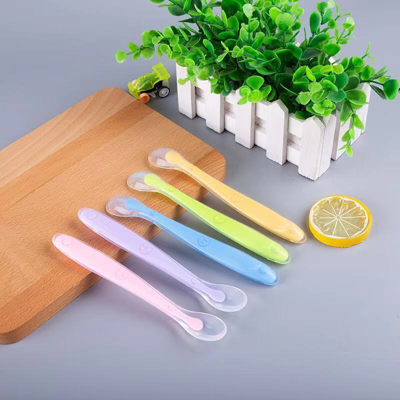 Baby Safe Silicone Feeding Spoon With Box Temperature Sensing Bendable Food Spoon Baby Training Utensils Baby Feeding Tableware