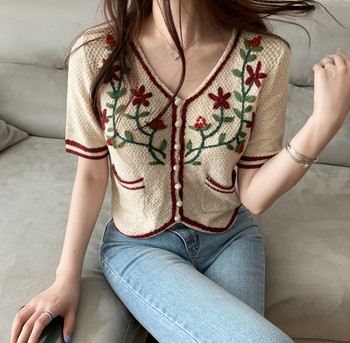 Korean-Style Sueter Mujer Invierno 2020 New Embroidered Floral Crocheted Sweaters Top Pullover Women Knitted Sweater 213D floral embroidered yoke overlap back top