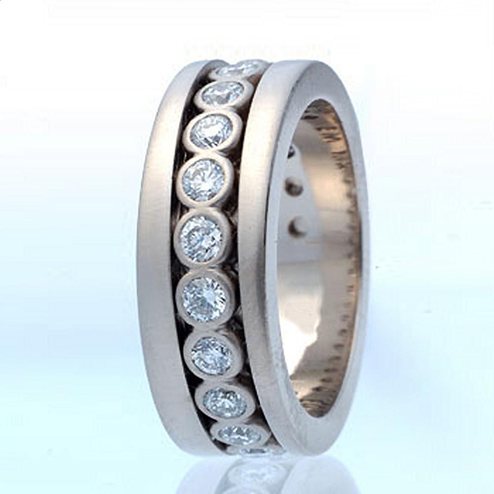 Huitan New Trendy Wedding Bands Rings for Women/Men Full Paved Shiny Round CZ Stone Versatile Accessories Statement Jewelry Bulk