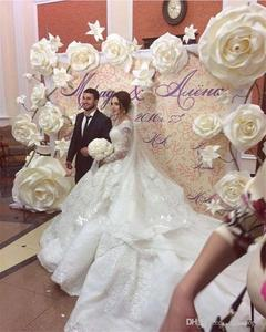 Image 5 - Sparkly Crystal Beaded Ball Gown Wedding Dresses Luxury Off Shoulder Appliqued Plus Size Saudi Arabic Dubai Bridal Gown