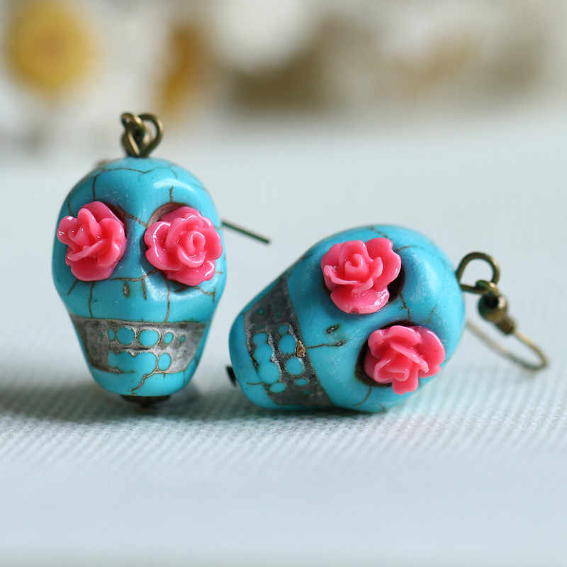 Punk Skulls and Roses Dangle Earrings,Skull Jewelry, Skull Drop Earrings, Skull Gift,Gothic Jewelry,halloween Earrings,witch