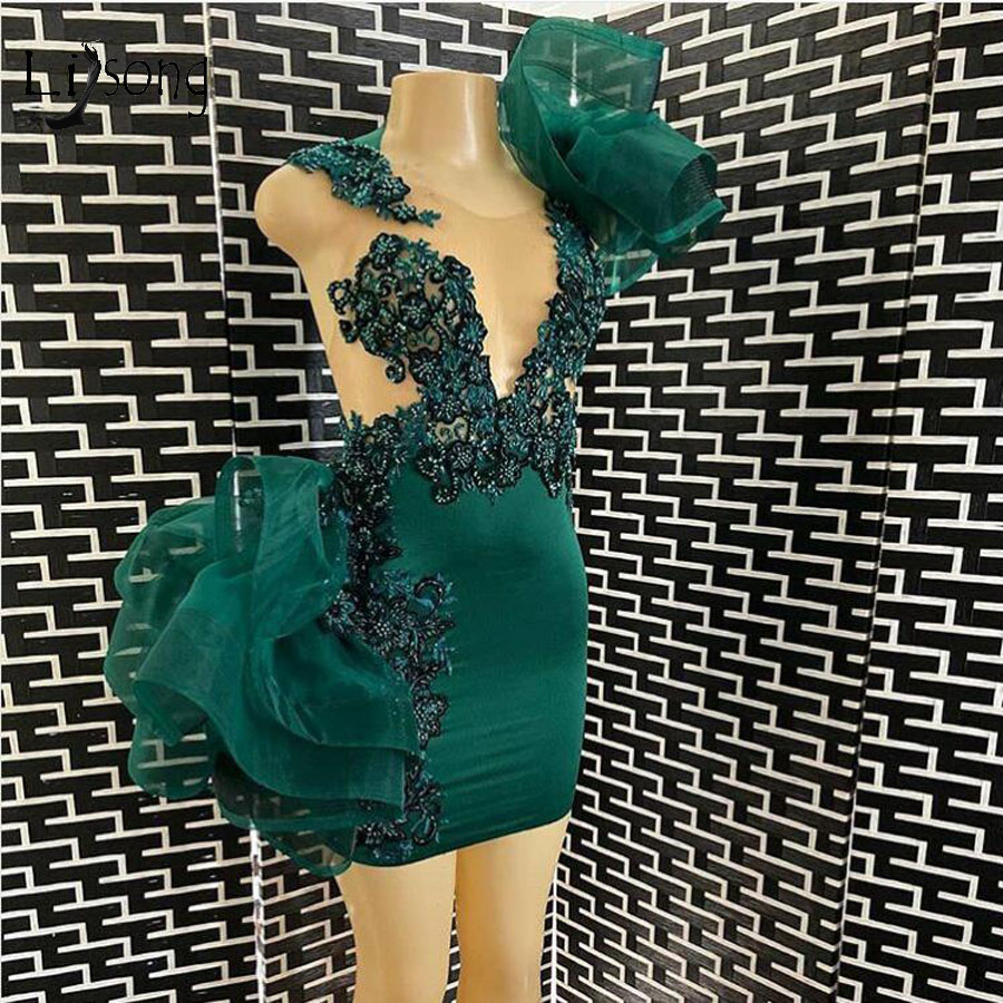 Sexy Emerald Green Lace Short Cocktail Dresses Real Image Appliques Beaded Ruffles Mini Homecoming Party Dress Vestidos
