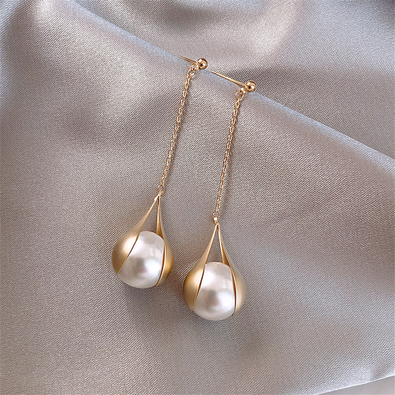 Vintage <font><b>Elegant</b></font> Imitation Pearl <font><b>Gold</b></font> Long <font><b>Drop</b></font> for Woman <font><b>Earrings</b></font> Korean New Tassel Statement <font><b>Earrings</b></font> Female 2019 <font><b>Jewelry</b></font> Gifts image