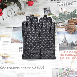 2020 Womens Winter Gloves Touch Screen Leather Glove Lovely Plaid Plush Warm Driving Glove Windproof Cold Resistance Soft Glove
