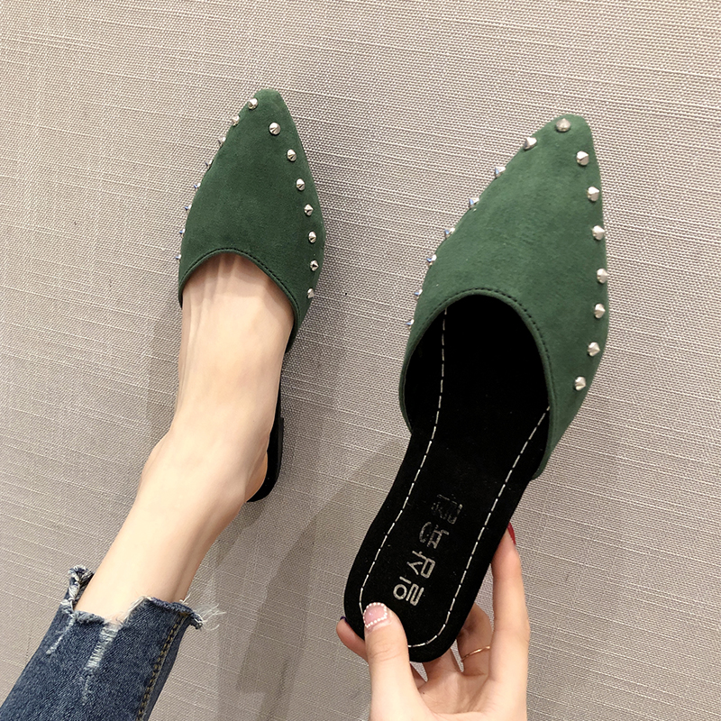 EOEODOIT Summer Flat Heel Slippers Pointed Toe Fashion Rivet Slip Into Slides Shallow V Mouth 2018 Newest
