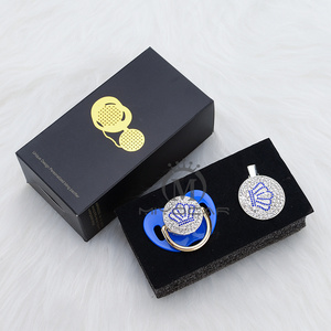 Image 2 - MIYOCAR זהב יפה זהב כחול בלינג כתר מוצץ מוצץ קליפ סט BPA משלוח dummy בלינג ייחודי עיצוב ABCB 1