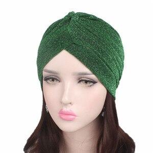 Image 2 - Helisopus 골드 반짝 이는 Turban 여성 레드 그린 스트레치 부드러운 밝은 모자 인도 이슬람 얇은 Hijab 머리 랩 헤어 액세서리