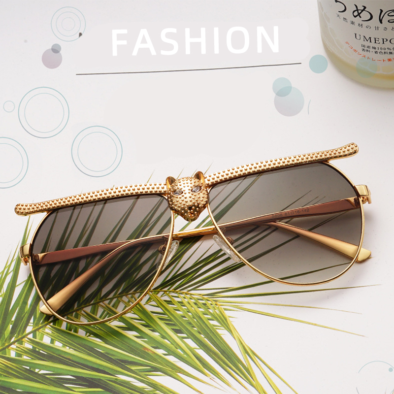 Image 2 - MEESHOW Women man Sunglasses 2020 Fashion Luxury High Quality Cat Head Frame Sunglasses INS Street Trendy rhinestone glassesWomens Sunglasses   -