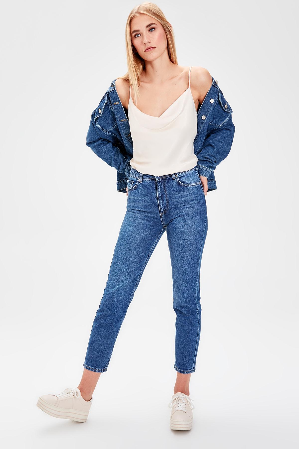 Trendyol Navy Blue Normal Waist Mom Jeans TWOAW20JE0053