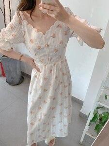 Кружевное платье средней длины с цветочной вышивкой, коротким рукавом, v-образным вырезом и расклешенным воротником, лето 2020