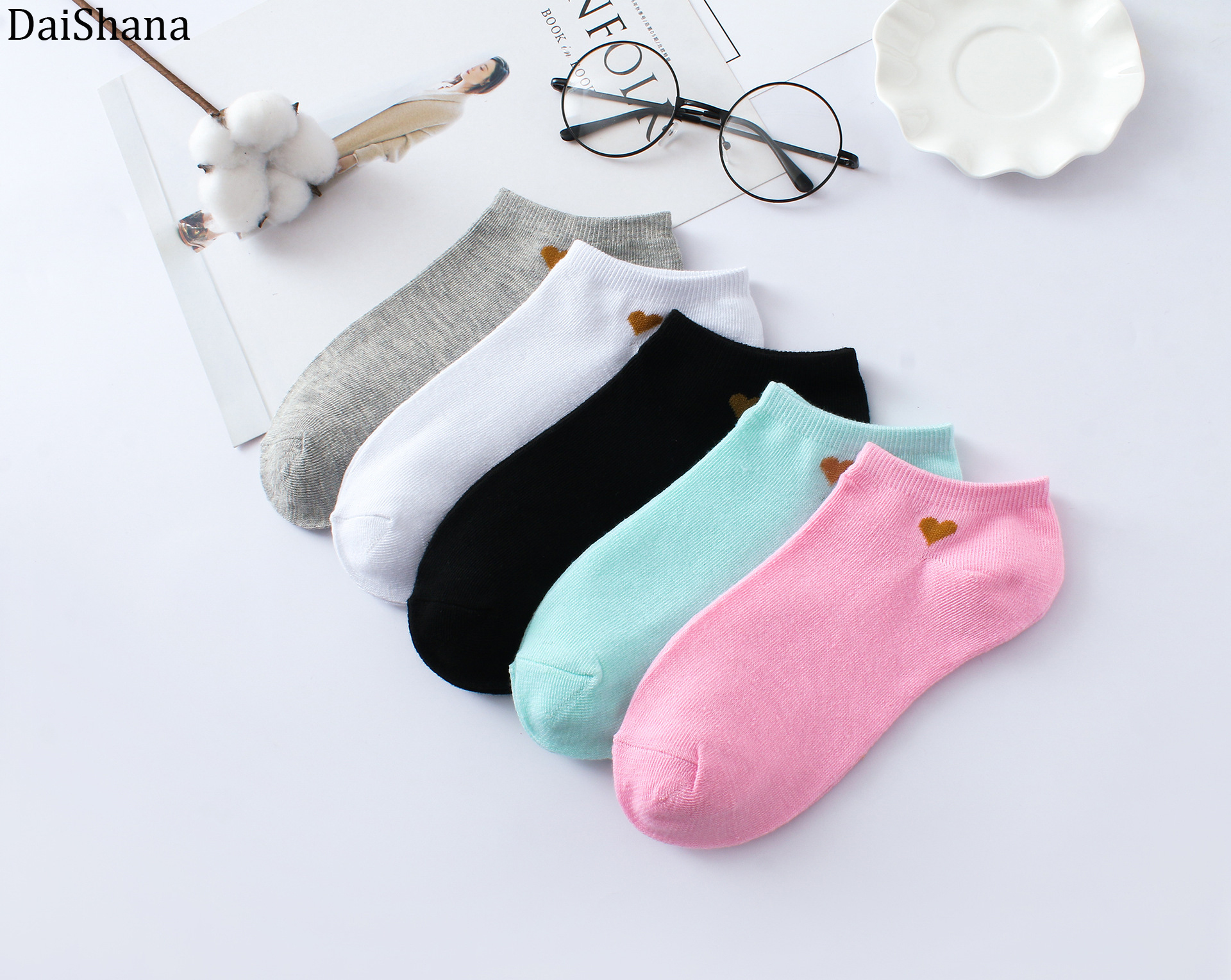 1 Pair Spring New Arrivl Women Socks Kawaii Fashion Girls Ankle Funny Cotton Socks Casual Candy Colors Breathable Sock Skarpetki