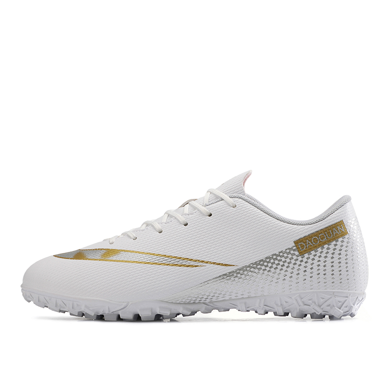 Large Size Long Spikes Soccer Shoes Outdoor Training Football Boots Sneakers Ultralight Non-Slip Sport Turf Soccer Cleats Unisex 9