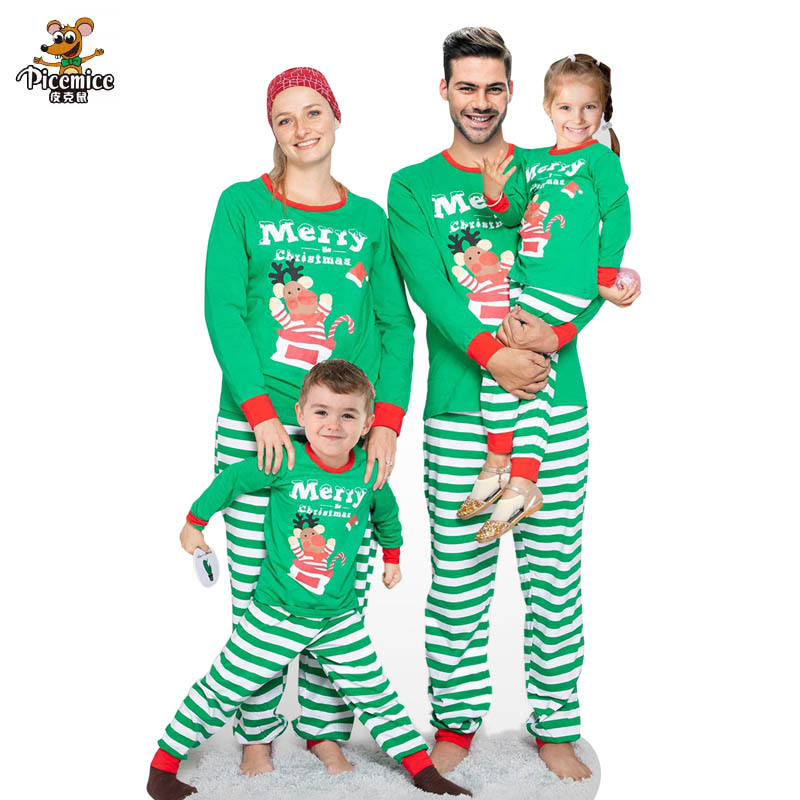 Family Look 2020 Merry Christmas Fatehr Son Mother Family Matching Outfits Mother Daughter Clothes Set Men Women Child Pajama
