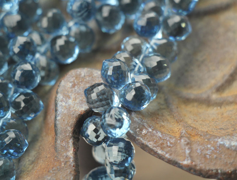 10pcs Blue Quartz, facet Ui Briolettes 10x8mm Lange(China)