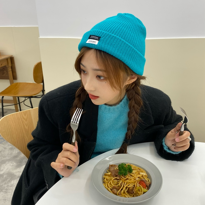Белого и голубого цвета, вязаная шапка для женщин в Корейском стиле-Стиль Ins японский Patch шляпа осень-зима шерстяная шапочка теплая шапка мод...