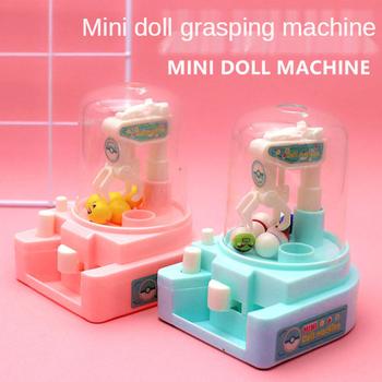 Dzieci DIY cukierki lalka Grabber maszyna dzieciak tanie Mini gra trenująca mózg pazur złap zabawka lalka dzieci boże narodzenie urodziny prezenty zabawki na biurko tanie i dobre opinie 4-6y 7-12y 12 + y CN (pochodzenie) Zwierzęta i Natura Fantasy i sci-fi Sport Crane machine Birthday Gifts