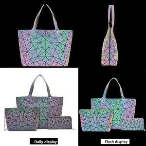 Image 5 - Big Crossbodyกระเป๋าสำหรับผู้หญิงกระเป๋าแฟชั่นชุดและกระเป๋าถือสีส่องสว่างDesigner Totes Holographic Bolsas