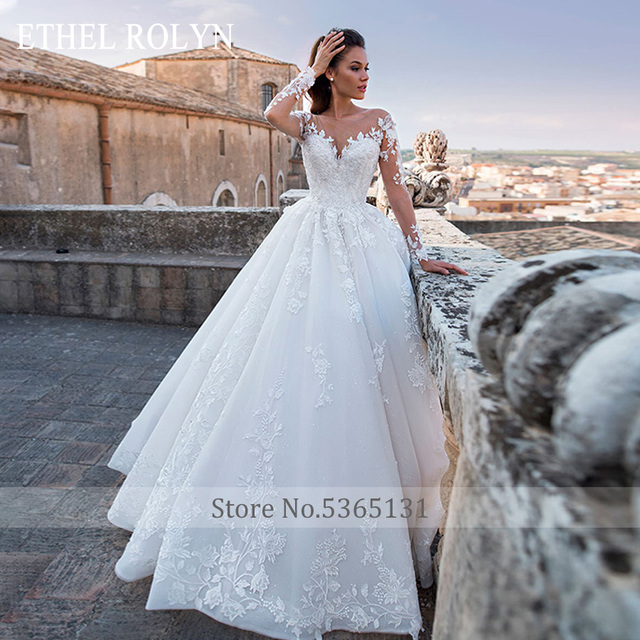 Long Sleeves Wedding Dress 2020 Romantic Appliques Bridal Dress Lace