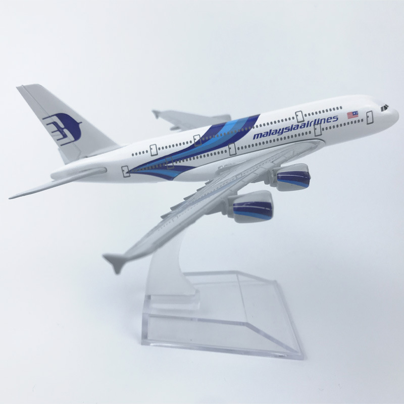 Children's Toy Model 16CM Alloy Aircraft Model Malaysia Airlines Malaysia Airlines 380 Alloy Aircraft Model Birthday Gift Model