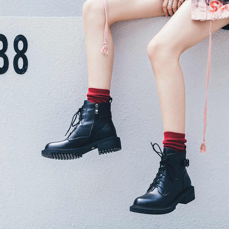 Donna-in toka motosiklet botları kadın deri Zip kış kadın ayakkabı Med topuklu yuvarlak ayak moda yarım çizmeler kalın alt