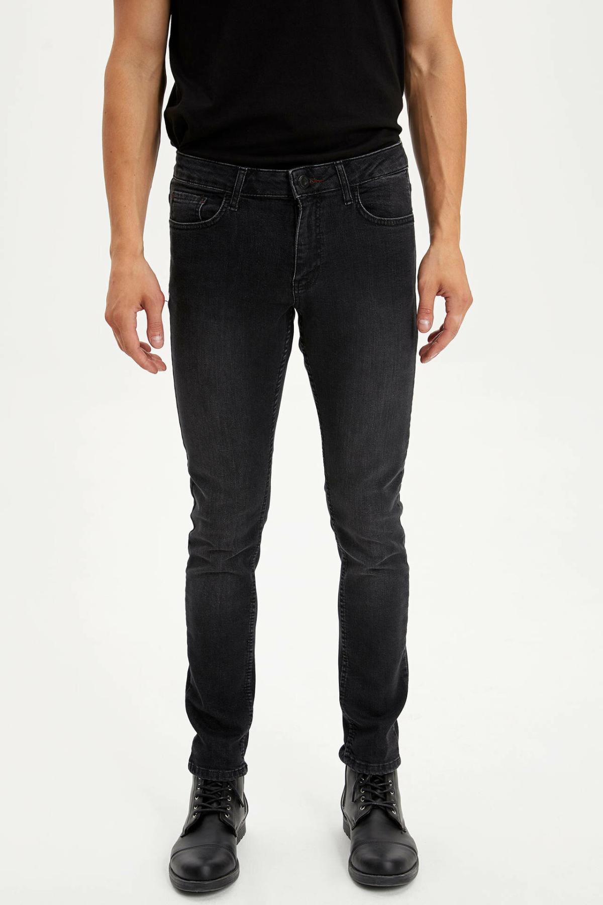 DeFacto Man Trousers-L6676AZ19AU