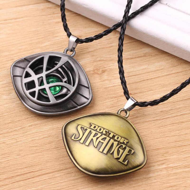 10 pcs/lot collier pendentif homme mode bijoux dr docteur étrange oeil d'agamotto chaînes colliers les Avengers pour hommes Acc