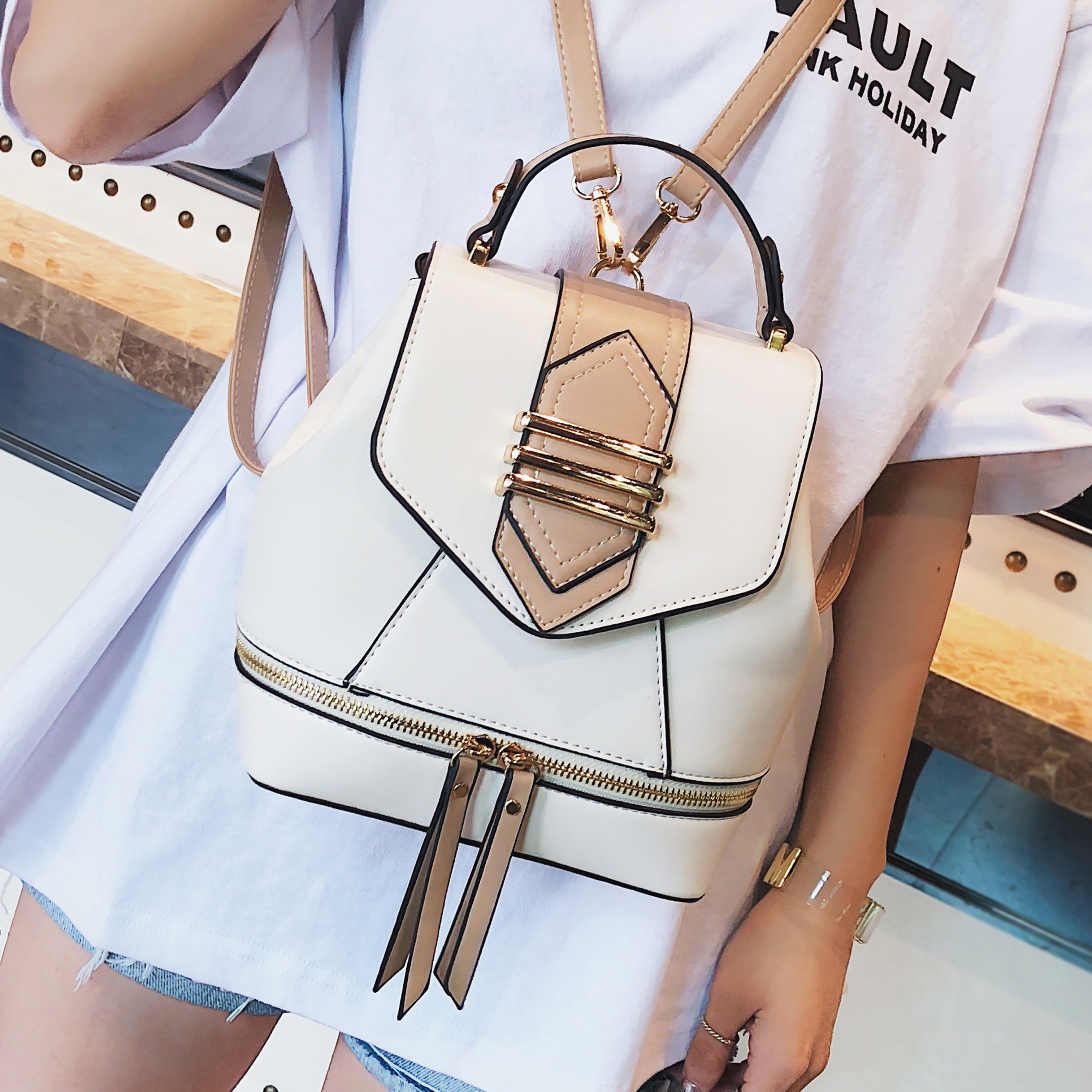 Fashion Women Backpack Female New Leather Shoulder Bag Travel Bag For Girls Backpack Casual Ladies Luxury Brand Small Backpack