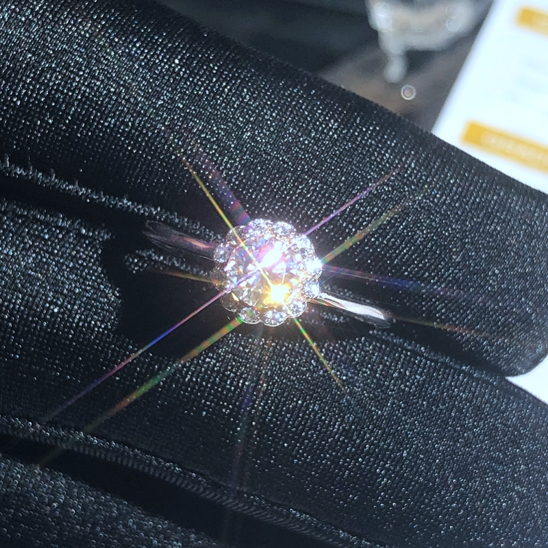 The 925 Sterling Silver Ring Is Highly Recommended As A Real Moissanite. White Color, Good Quality, Certificate.