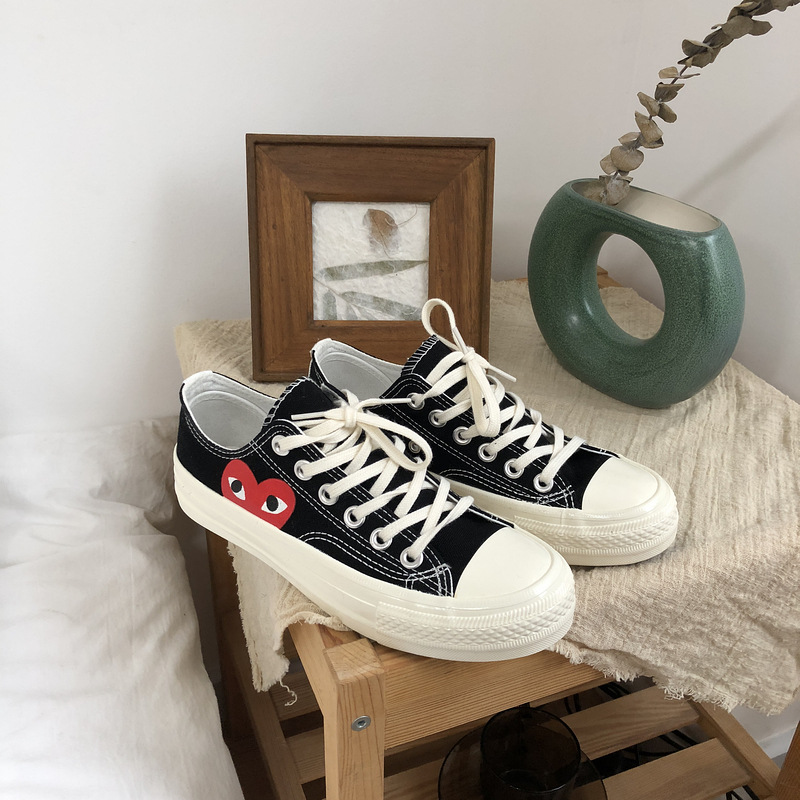 Woman Skateboarding Shoes Femme Sneakers Canvas Sport Shoes 1970s Love Pattern Stylish Casual Tenis Feminino Zapatos De Mujer