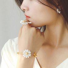 Korean Cute Vintage Flower Enamel Glaze Stud Earrings For Women Fashion Asymmetric Daisy Boucle d'oreille Brincos Jewelry Gifts
