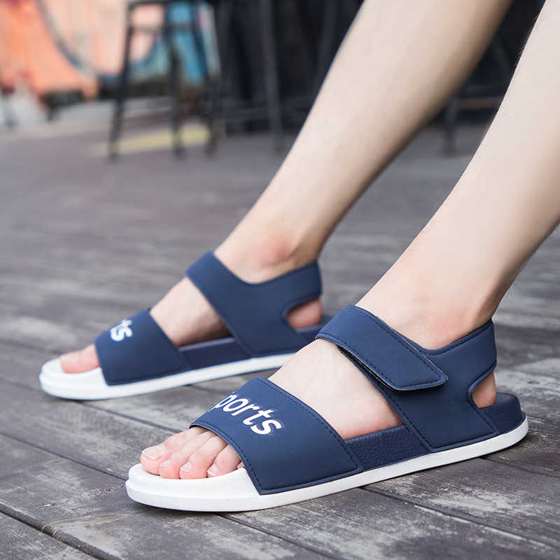 รองเท้าแตะชายใหม่รองเท้าแตะฤดูร้อนชายชายหาดรองเท้าแตะ PVC รองเท้าแตะลำลองของผู้ชาย Hollow Breathable ลื่นรองเท้าน้ำ