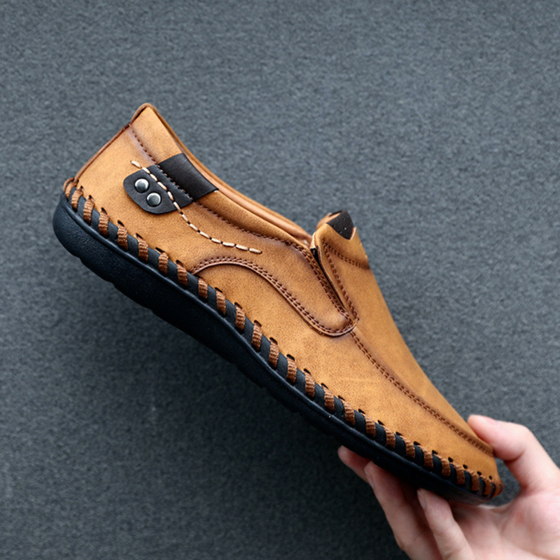 Shoes Men Brand Fashion Casual Shoes Breathable Slip On Loafers Soft Driving Moccasins Plus Size 39-48