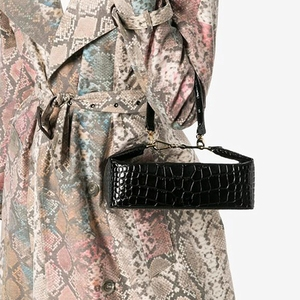 Image 2 - Burminsa 악어 인쇄 작은 여자 핸드백 세련 된 상자 디자이너 어깨 가방 숙 녀 전화 지갑 고품질 Crossbody 가방 2020
