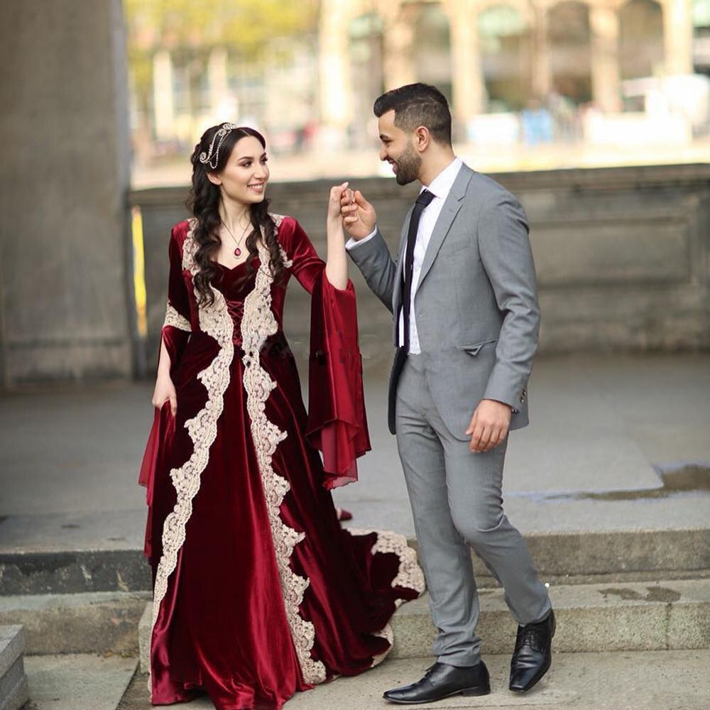 Elegant Muslim Evening Dress Burgundy Long Sleeve Arabic Turkey Evening Gown Velvet Formal Prom Dress With Gold Applique
