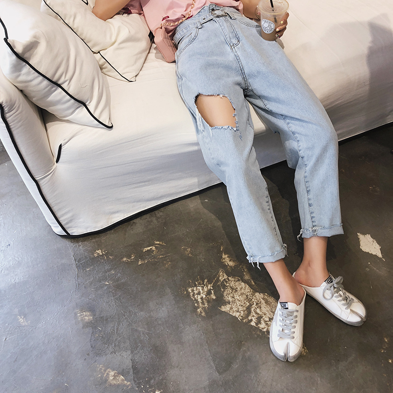 MISHOW 2019 SUMMER Shredded Jeans Women Causal Streetwear High Waist Loose With Belt Light Blue Straight Jeans MX19B2366