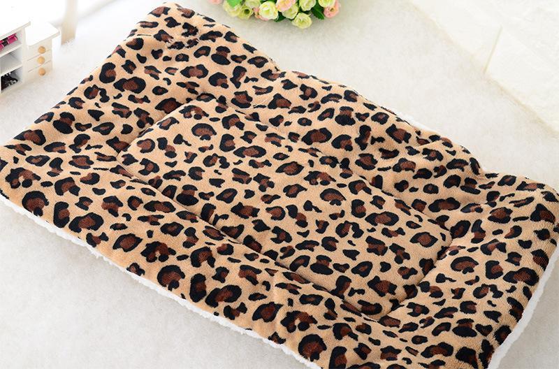 Winter Warm Pet Dog Soft Cushion Large Print Flannel Cotton Mattress Cat Pet Mat Bed Pad Rug Cartoon Printed Cat And Dog Pad 13