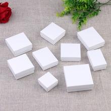 Moda basit beyaz kare mücevher ambalaj kutusu nişan yüzük küpe kolye bilezik ekran sevgililer günü hediye kutusu