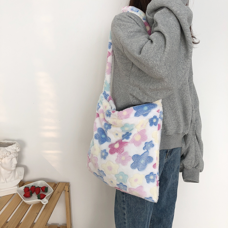Lady New Designer Soft Flowers Totes Fluffy Plush Messenger Bag Women Book Shoulder Bags Pretty Shopping Handbag Adjustable Tote