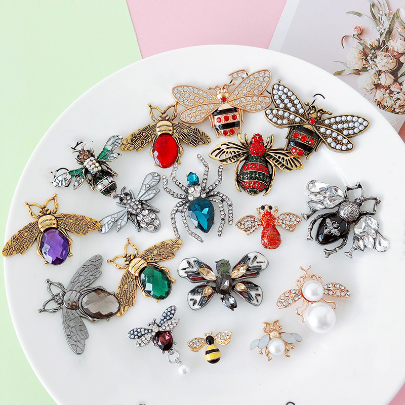 Creative 5pcs/lot Cute Insects Small Ornaments Rhinestone Metal Crafts Clothing Festival Setting  26 Paragraph