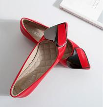 Pointy flat beanie shoes 2019 new plus-size 41 42 43 single wedding with Christmas gifts for wife elegant