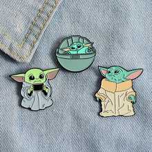 Master Yoda emalia Pin Mandalorian Star Wars Yoda pływająca Pod metalową przypinka do klapy na plecak ubrania dla dzieci prezent tanie tanio OPP Package Zhejiang China(Mainland) 100 New Anniversary Engagement Gift Party Wedding Order 150 usd DHL Free shipping