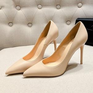 Image 3 - New Spring Party Wedding donna tacco alto vera pelle punta a punta maturo Office Lady scarpe eleganti donna pompe Big Size A003