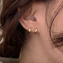 Pequena fivela redonda brincos de ouro para as mulheres moda jóias simples hoop em forma de metal orelha jóias senhoras presente