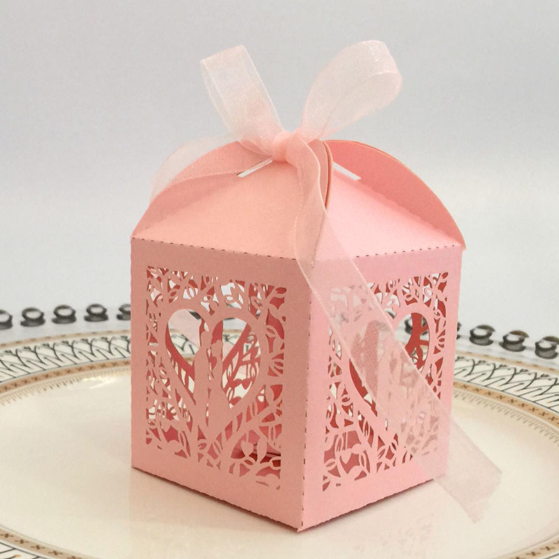 100pcs Laser Cut Bride And Groom Heart Candy Boxes Favor Boxes Gift Boxes With Ribbon Valentine's Day Wedding Party Decoration