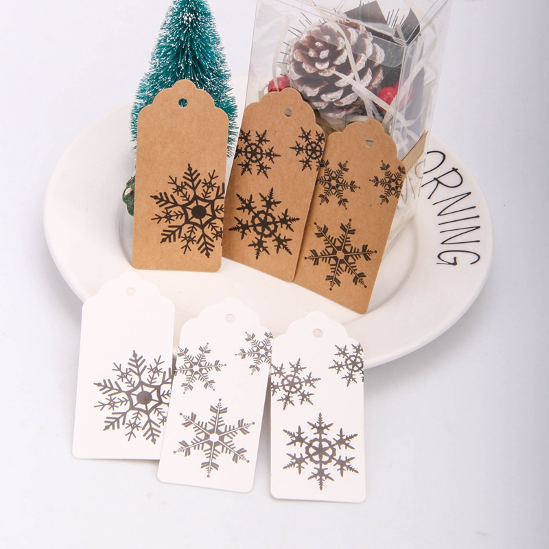 50PCS Merry Christmas Snowflake Kraft Paper Hang Tags Christmas Party Gift Wrapping Supplies DIY Kraft Paper Cards Labels