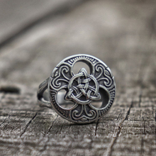 EYHIMD Classic Celtics Triquetra Symbol Stainless Steel Men Rings Trinity Knot Silver Ring Amulet Jewelry