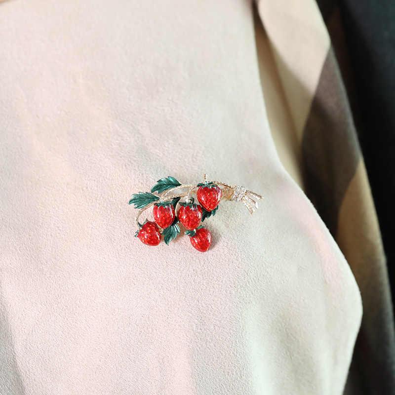 Blucome émail fraises broches pour femmes filles fête de mariage bricolage déclaration belle fruits accessoires chapeau sac broche Bijoux